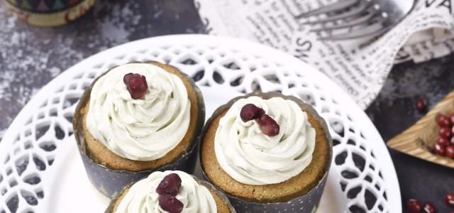 抹茶与红豆的经典搭配,不仅可以做饮品,还可以做蛋糕。