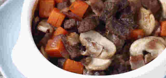 红酒蘑菇炖牛肉