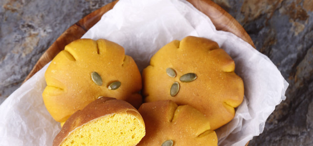 天然蔬果面包。