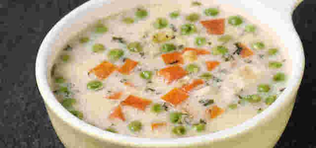 浓汤炖鸡肉