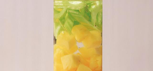 西芹菠萝甜橙水