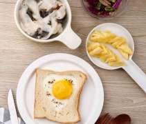 爱心吐司煎蛋套餐