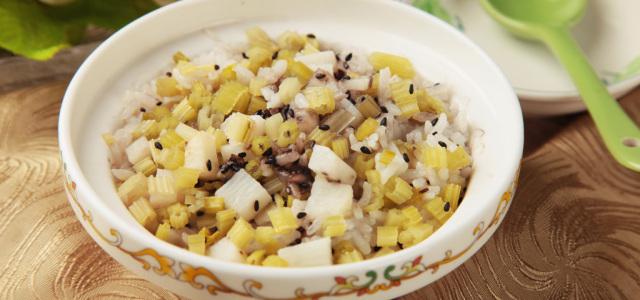 清淡少盐的蒸米饭