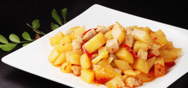 土豆炒鸡丁
