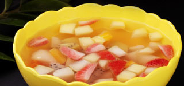 缤纷水果甜汤,可以美颜哦~