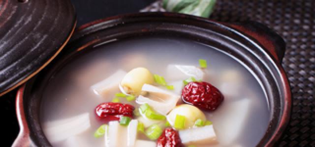莲藕茯苓莲子煲