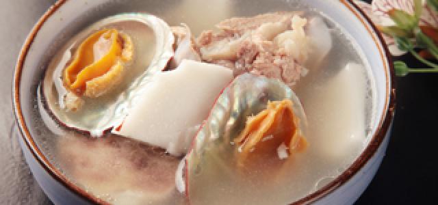 椰汁鲍鱼排骨汤