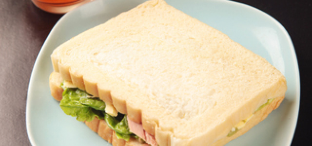 金枪鱼奶香三明治
