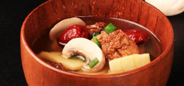 姬松茸竹笋汤